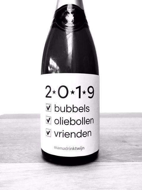 Wijnetiket 2019 maakt van elke fles bubbel of mousserende wijn een origineel en grappig kado