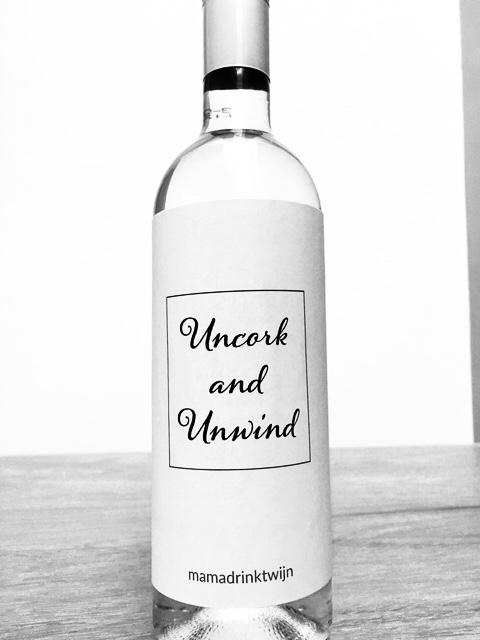 Uncork and Unwind wijnetiket, plak humor op je fles wijn
