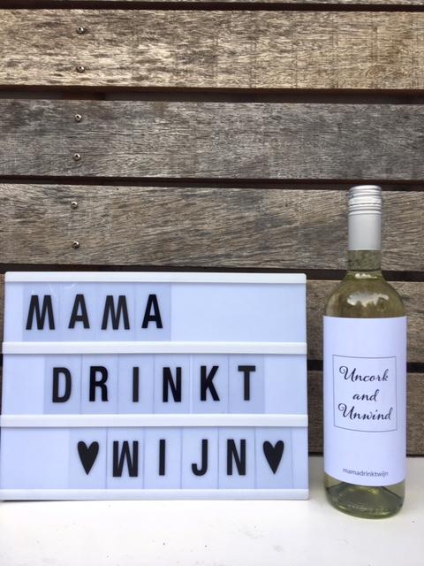 Uncork and Unwind wijnetiket, geef je collega eens een grappig kado
