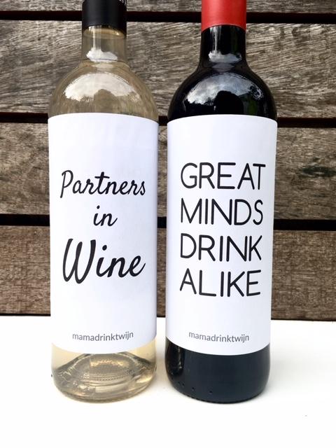 Onze friends wijnetiketten maken van elke gewone fles wijn een origineel en grappig cadeau