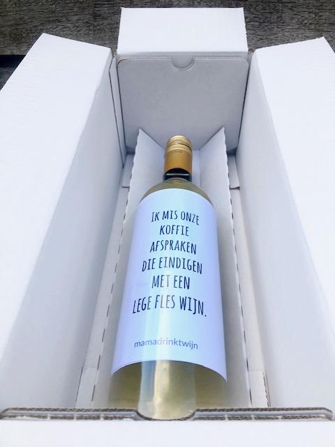 Fles wijn in verzenddoos
